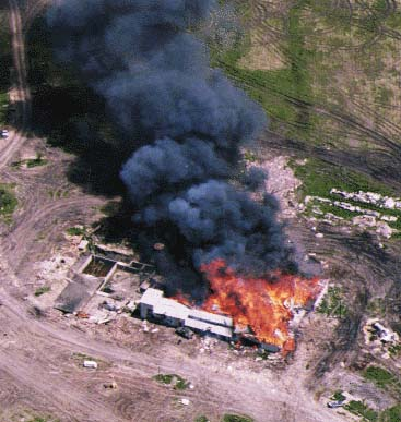 waco_burning.jpg